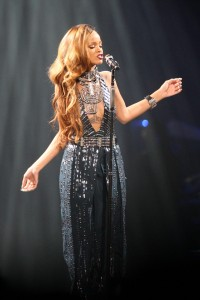 RIHANNA WEARS CUSTOM LANVIN ON DIAMONDS TOUR