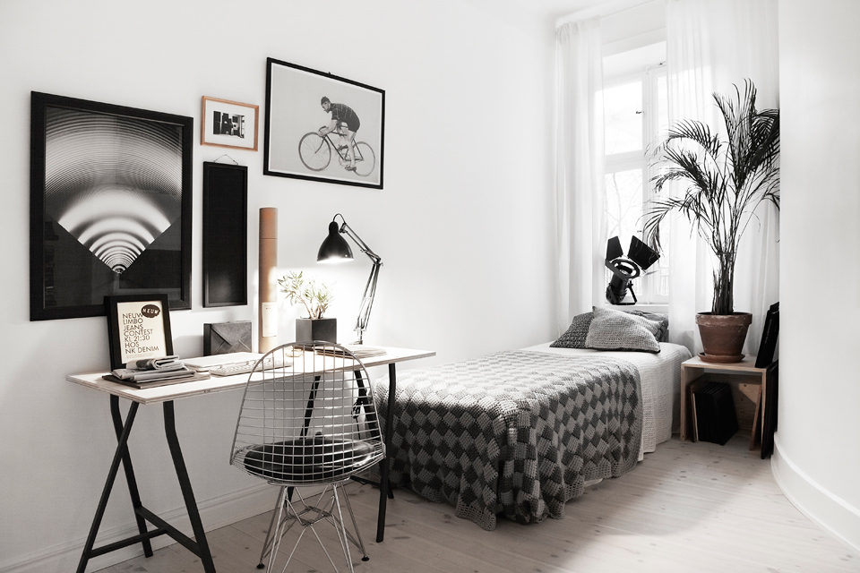 FROM EMPTY SPACE TO STYLISH BEDROOM