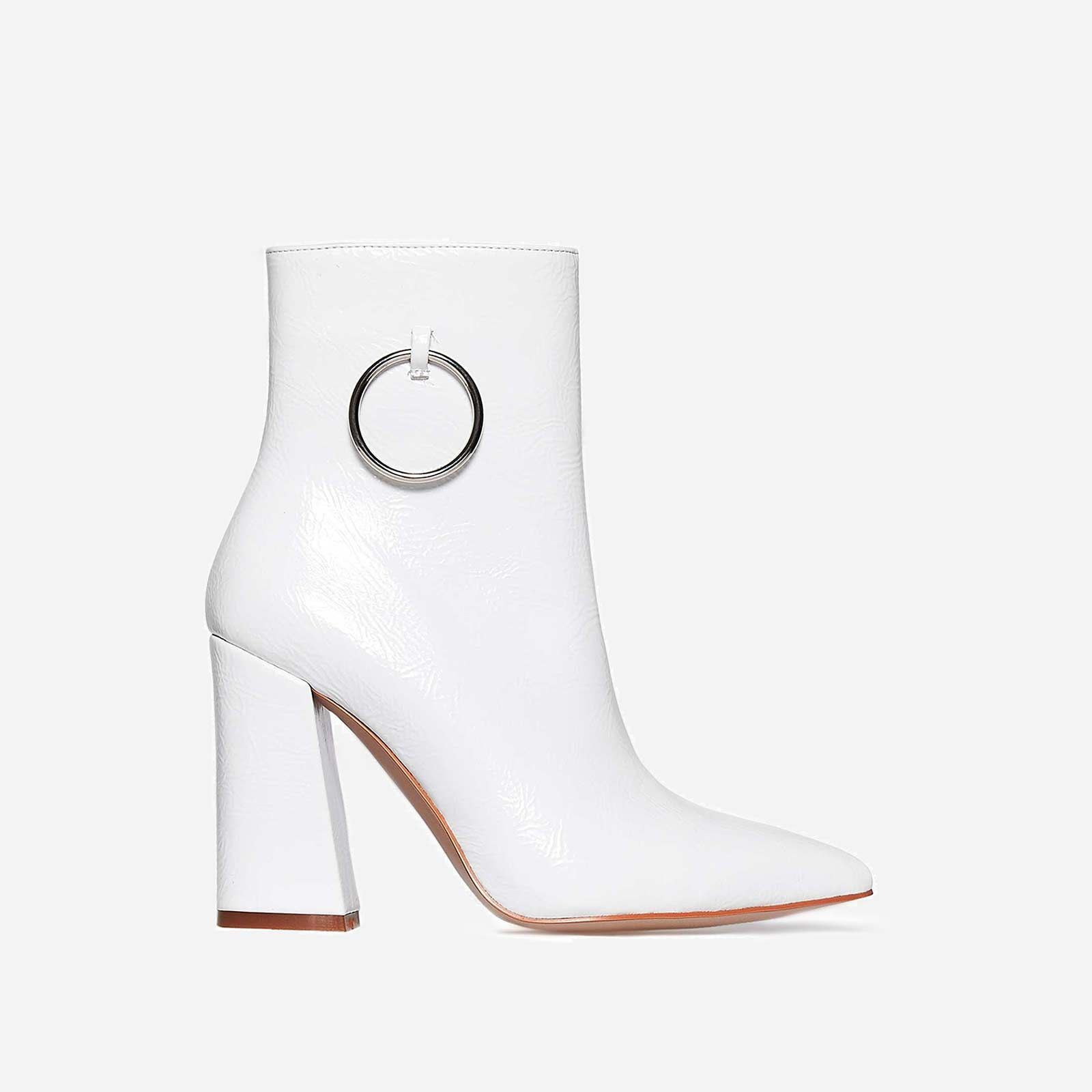 EGO WHITE ANKLE BOOTS WITH RING